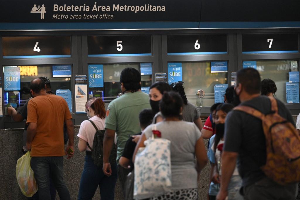 Analía Rearte explicou que todas as pessoas que chegam de outro país são submetidas a um teste de antígenos