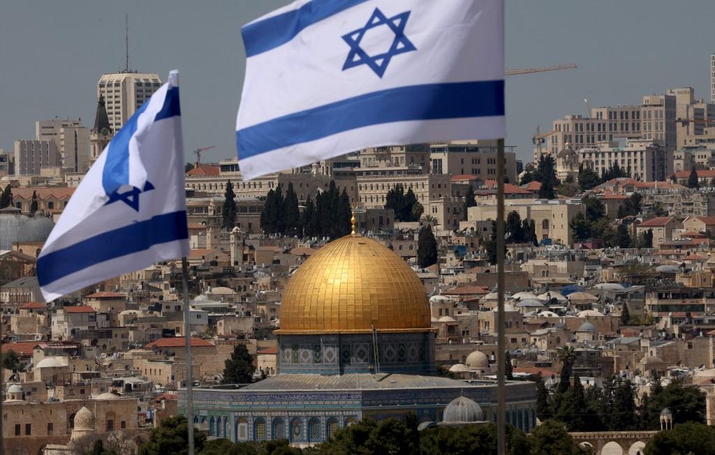 Cerca de 9,3 milhões israelenses já recebeu ambas as doses da vacina da Pfizer/BioNTech