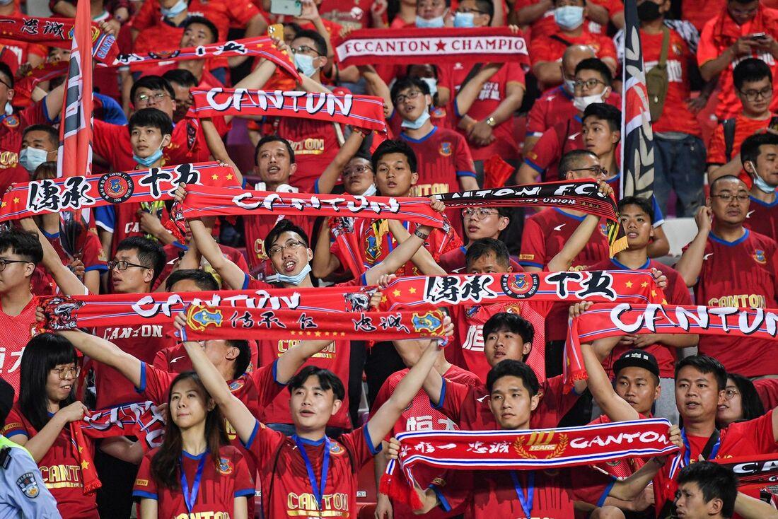 Torcida voltou a frequentar jogos de futebol na China