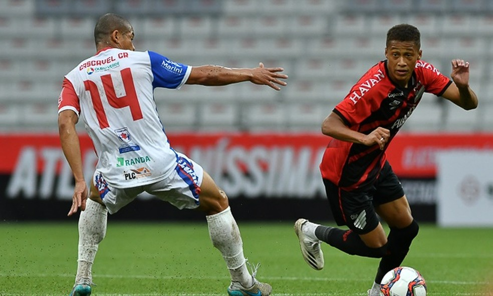 Três jogadores do Cascavel foram vetados antes do jogo contra o Athletico
