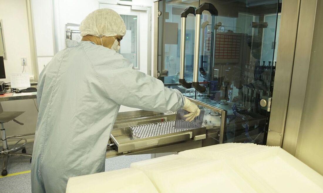 Ingrediente Farmacêutico Ativo (IFA) para produção de doses da vacina contra a Covid-19