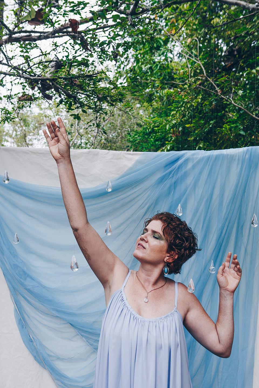 Joana Terra lança hoje (17) segundo disco da carreira