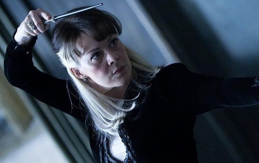 Além da saga Harry Potter, Helen McCrory participou da série Peaky Blinders e o filme 007 - Operação Skyfall