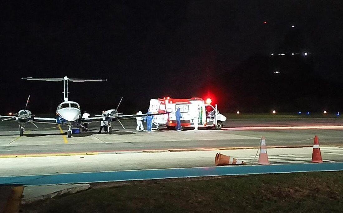 Primeiro voo noturno para transferência de paciente realizado em Fernando de Noronha