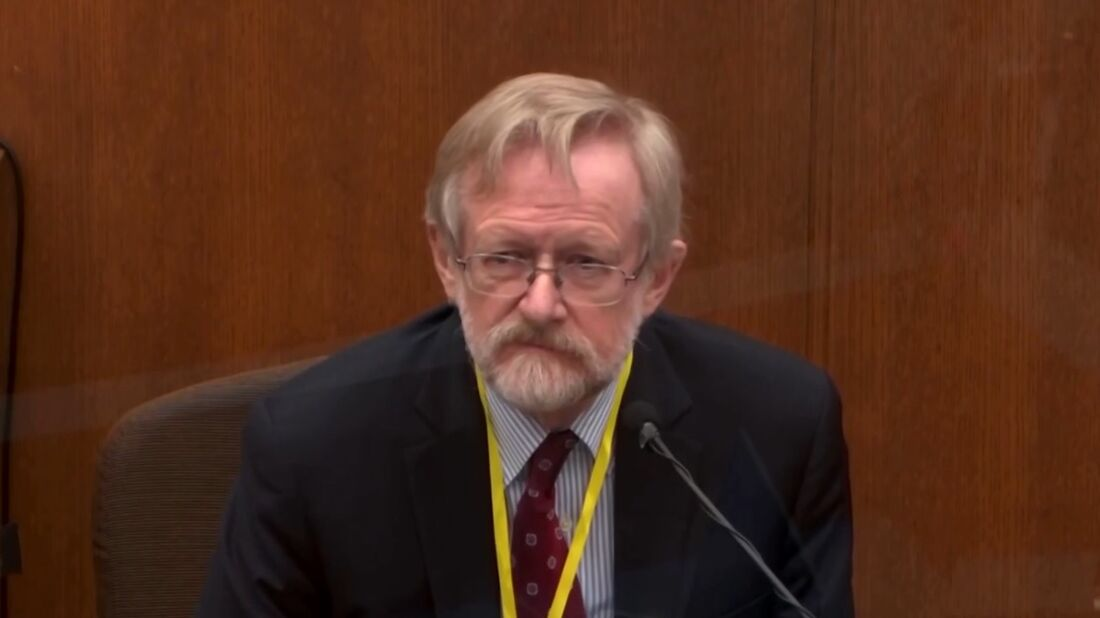 Doutor Martin Tobin durante julgamento do policial Derek Chauvin sobre a morte de George Floyd