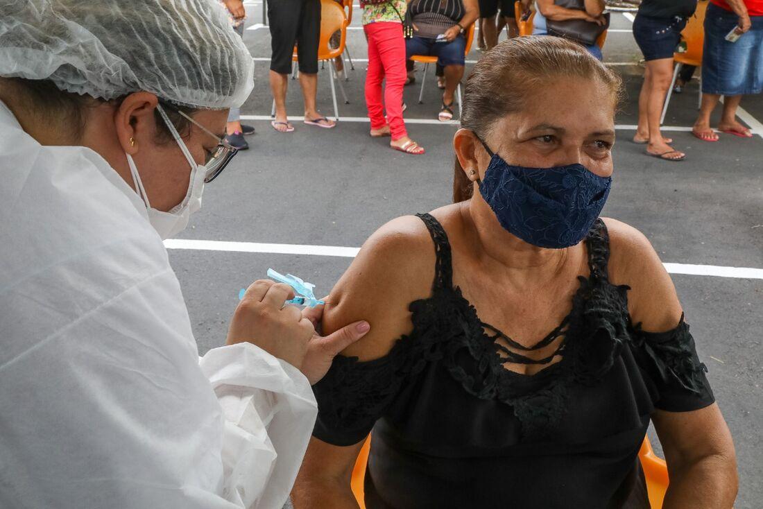 Vacinação contra Covid-19 em Jaboatão dos Guararapes