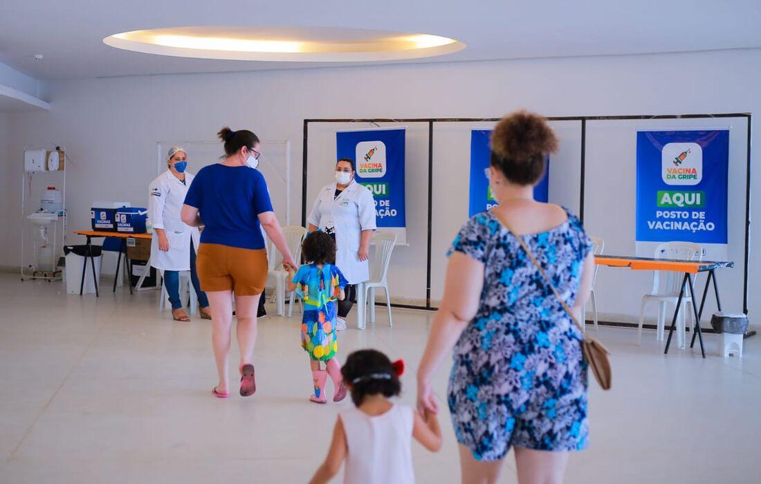 Crianças são público alvo desta etapa da campanha de vacinação contra a gripe no Recife