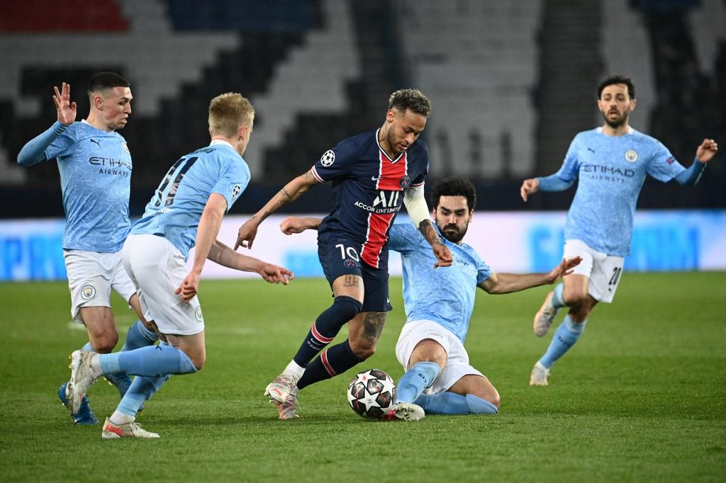 Neymar no primeiro jogo da semifinal contra o City