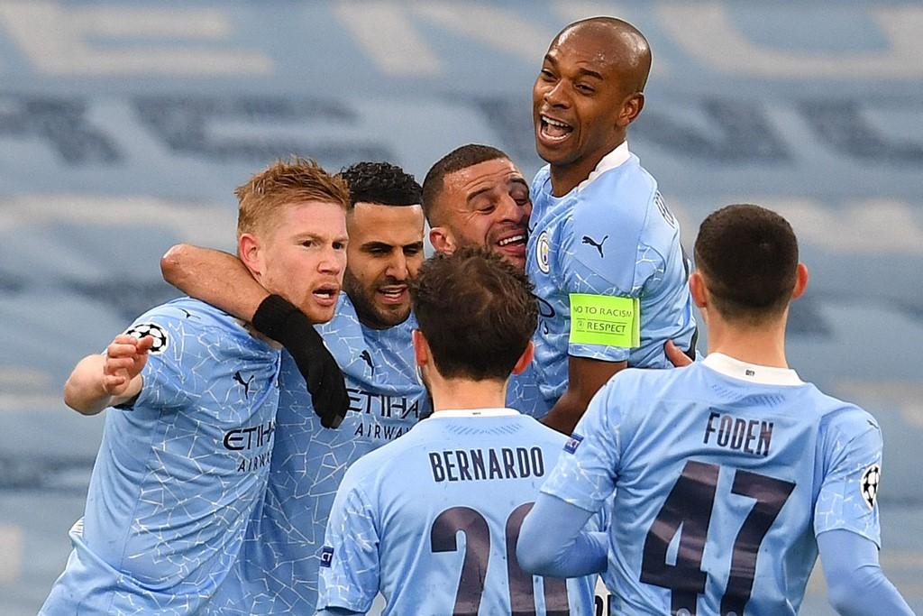 Jogadores do City comemoram um dos gols marcados por Mahrez