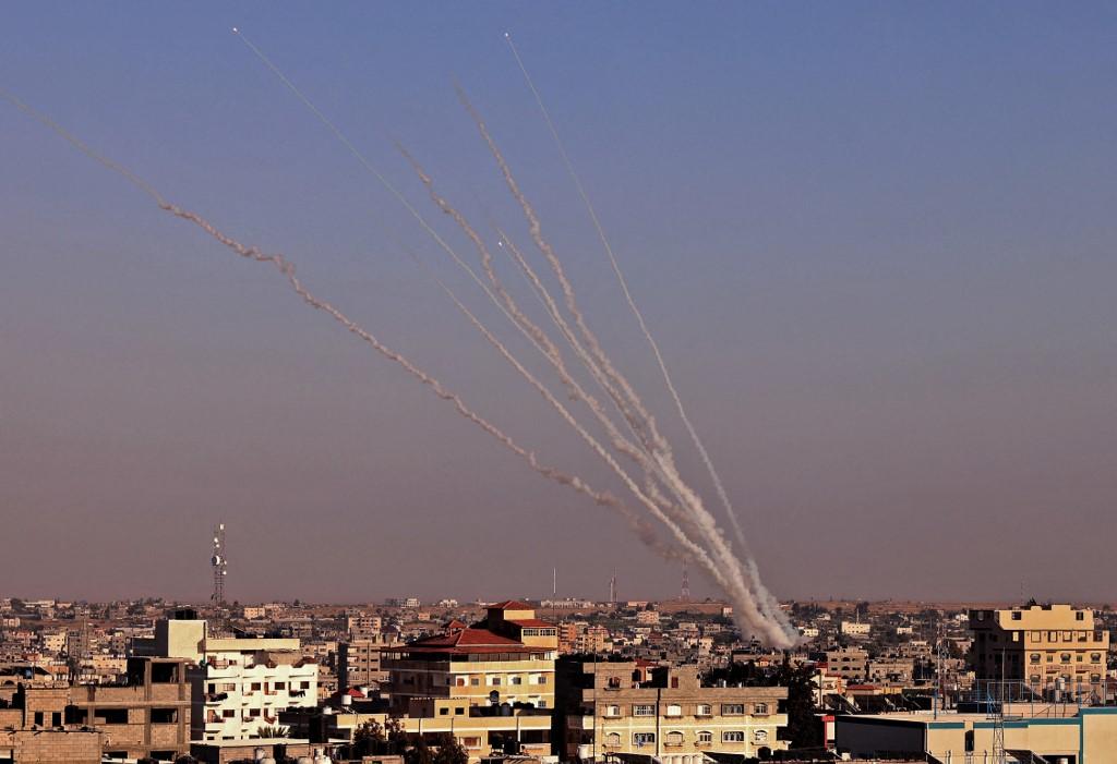 Foguetes foram lançados em direção a Israel, no sul da Faixa de Gaza, nesta quarta-feira (12)