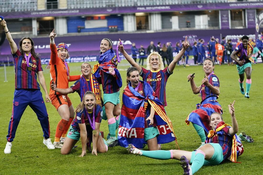 Barcelona goleia o Chelsea e conquista sua 1ª Liga dos Campeões feminina