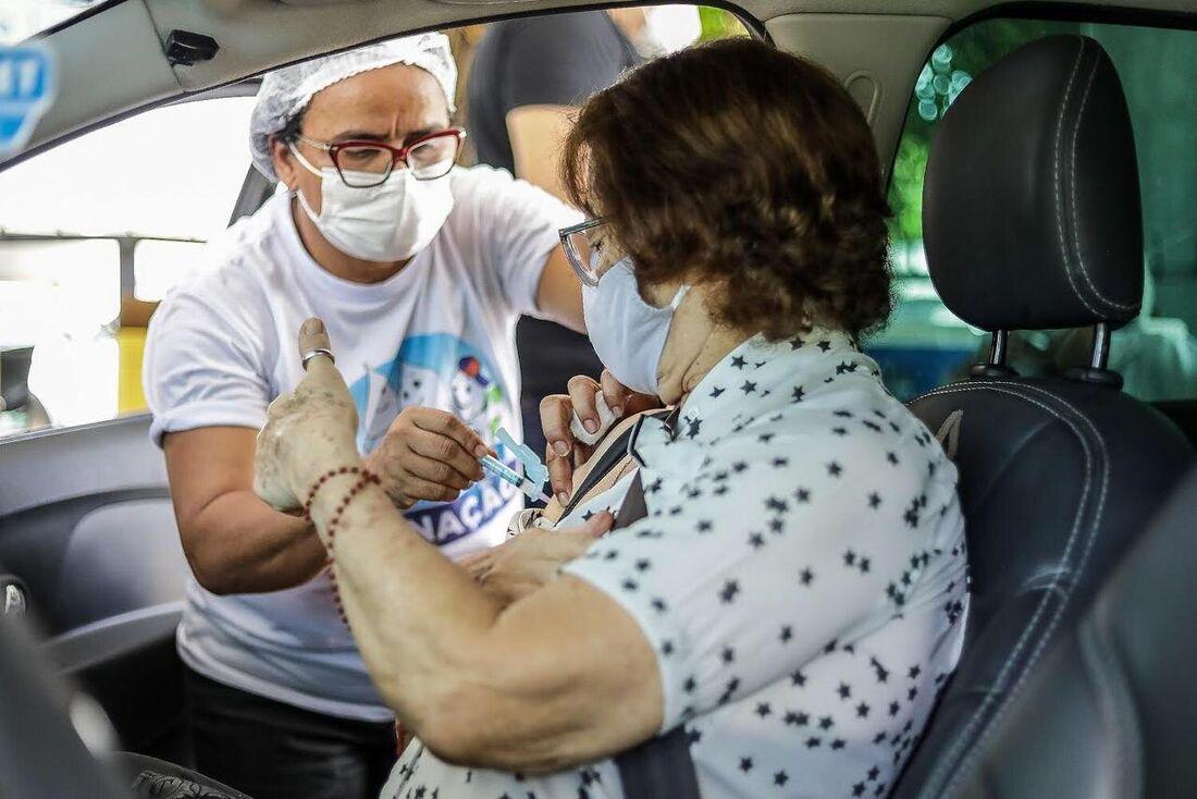 Vacinação contra Covid-19 em Jaboatão