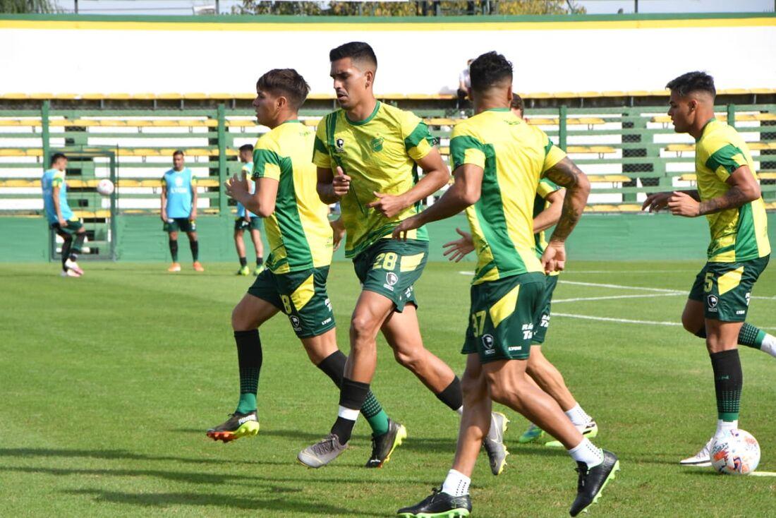 Defensa y Justicia terá 15 desfalques por Covid contra o Palmeiras