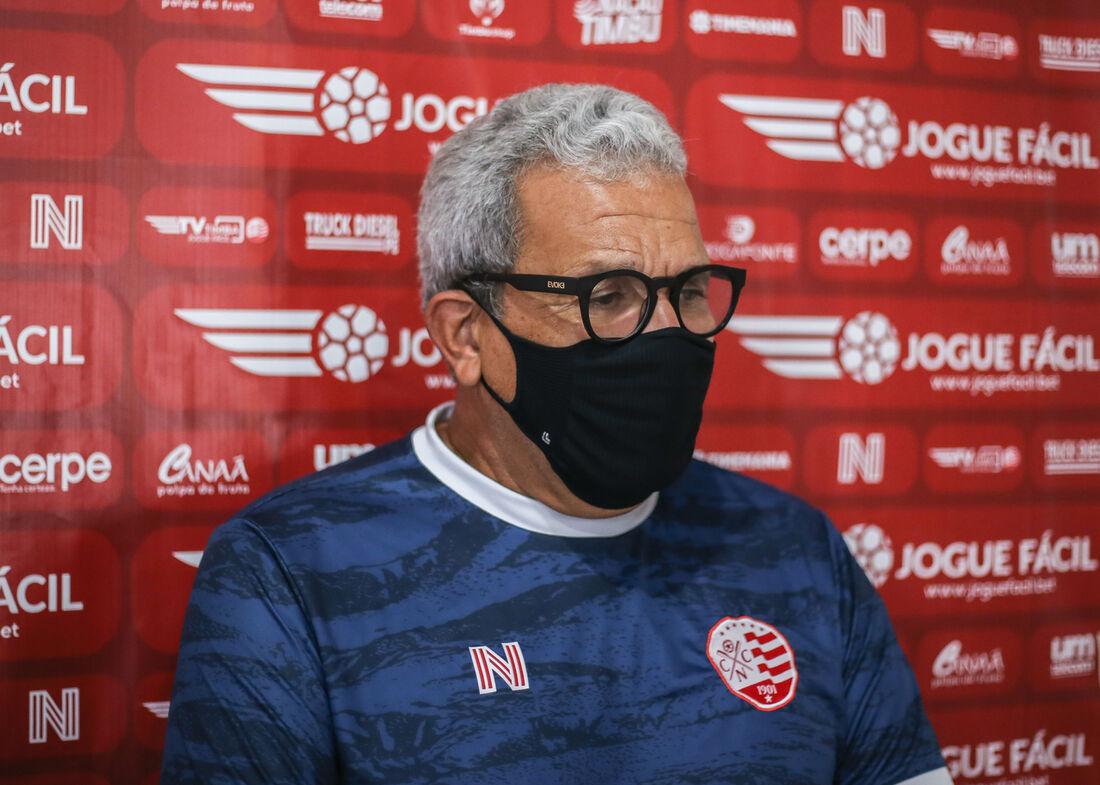 Hélio dos Anjos, treinador do Náutico