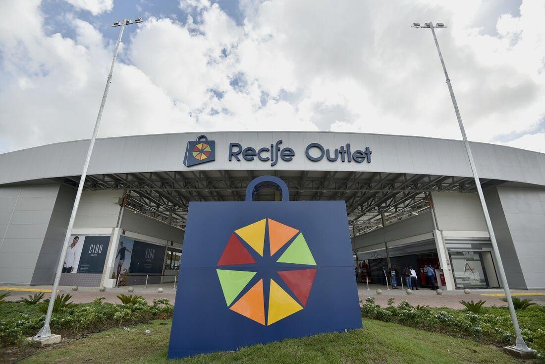 Recife Outlet, em Moreno