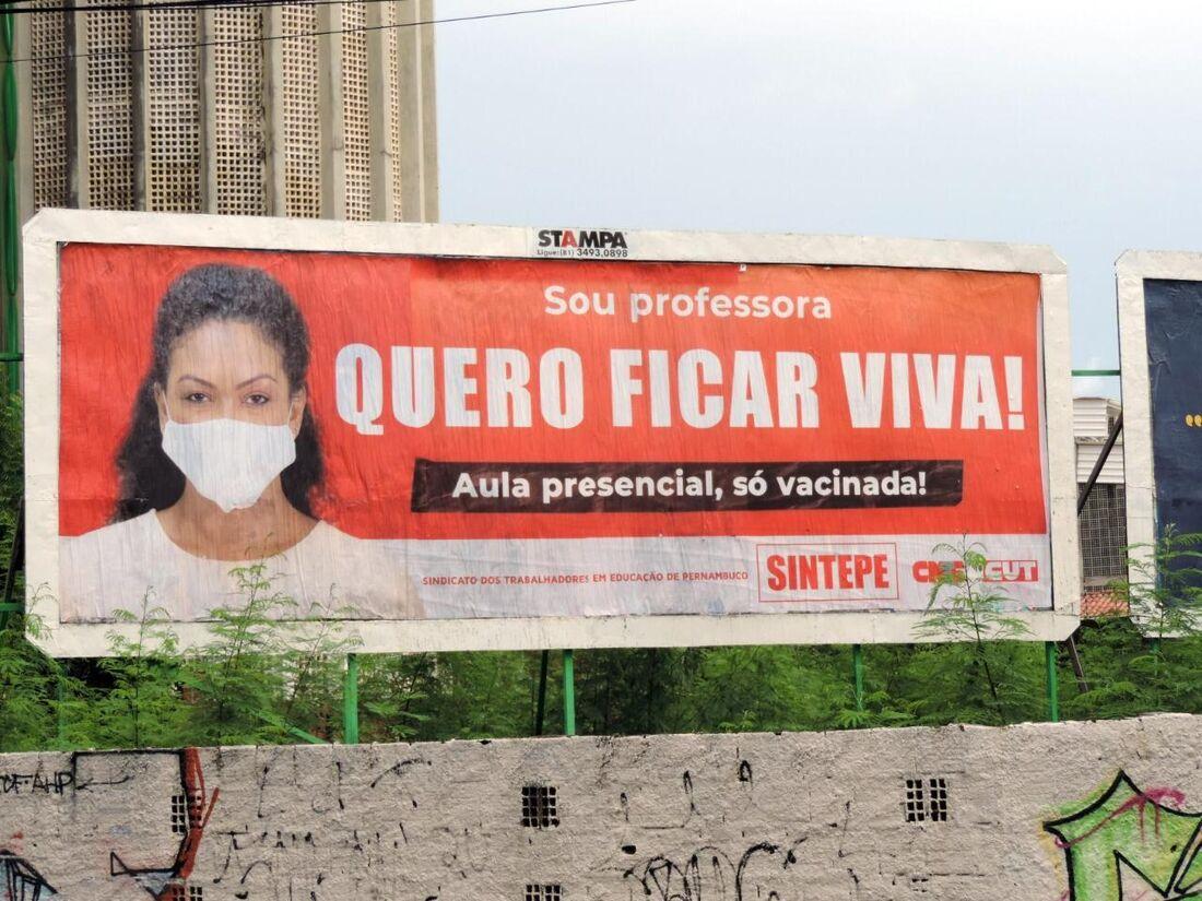 Campanha pela paralisação de aulas presenciais em Pernambuco