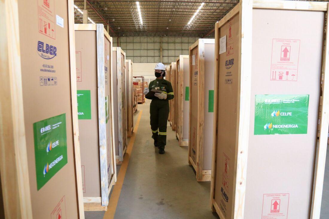 Refrigeradores especiais para armazenamento de vacinas serão distribuídos pela Celpe