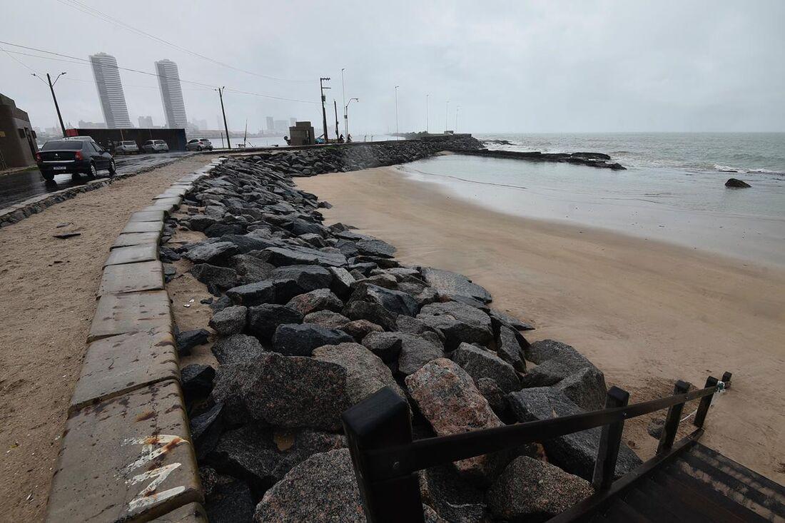 Tempo chuvoso no Recife
