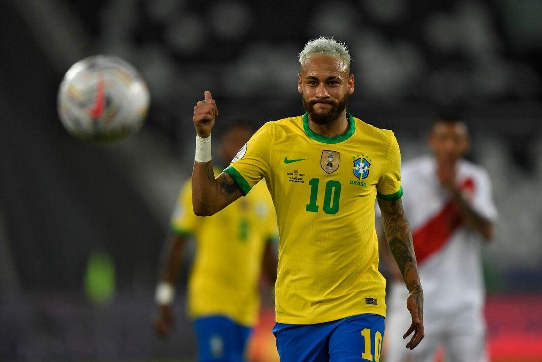 Neymar disputará sua segunda final contra Messi, após a goleada imposta pelo Barcelona sobre o Santos