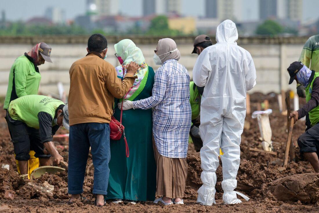 Mortes pela Covid-19 em Jakarta, na Indonésia