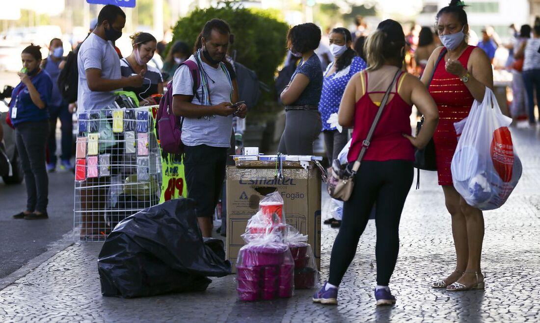 Pandemia segue impactando negativamente o mercado de trabalho no País