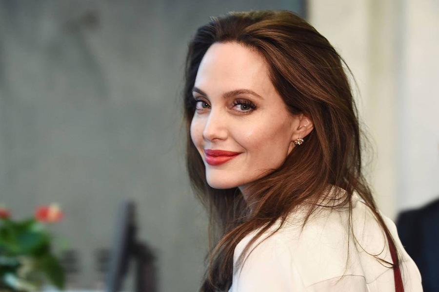 A atriz Angelina Jolie durante visita a ONU