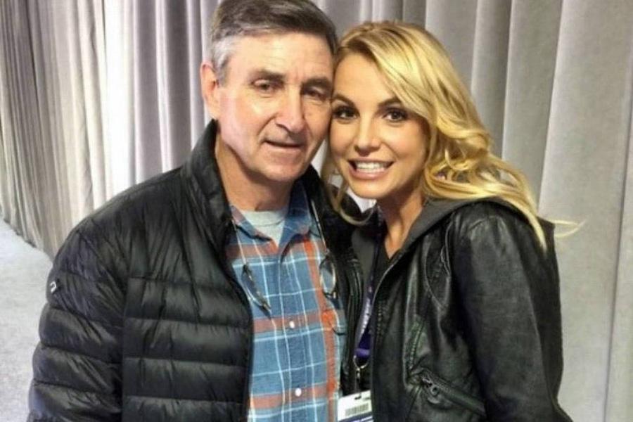 A cantora Britney Spears com o pai, o empresário Jamie Spears