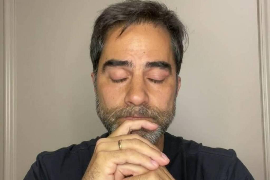 Sorrentino chorou várias vezes durante live