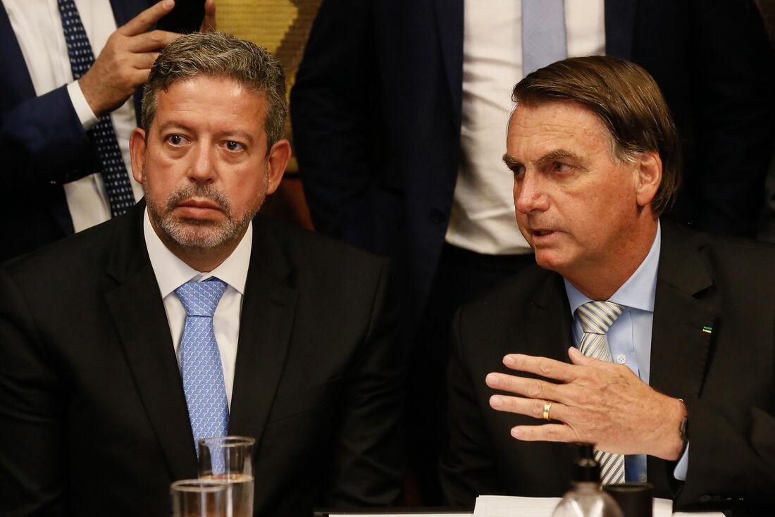 Presidente da Câmara dos Deputados Federais, Arthur Lira, e o presidente da república, Jair Bolsonaro