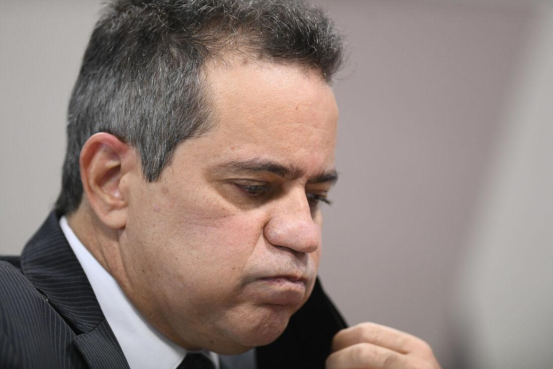 Ex-secretário-executivo do Ministério da Saúde, coronel Antônio Elcio Franco Filho, diz que não recebeu ordens superiores que teriam levado a atraso na compra da CoronaVac