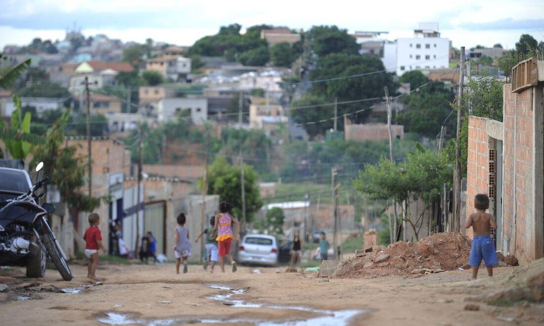 IBGE indica que 3,4% dos lares não estavam ligados à rede geral de água nem contavam com canalização