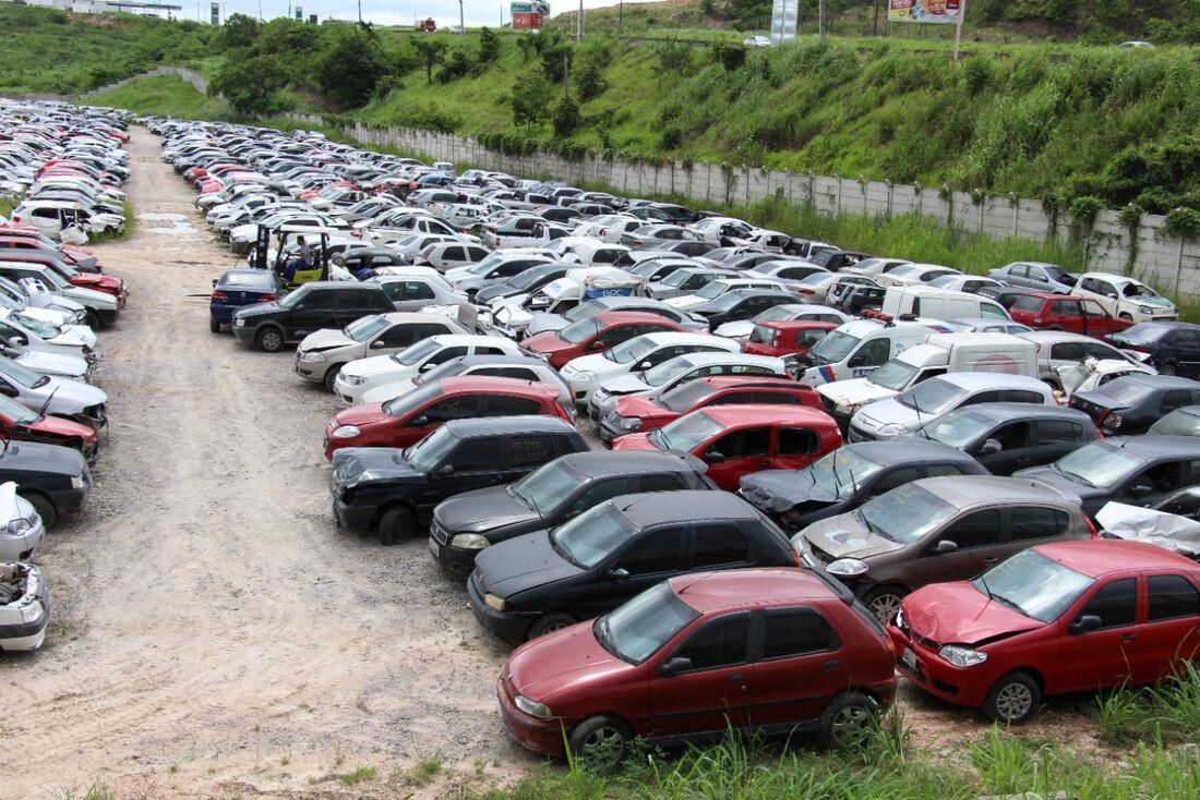 Detran-PE realiza leilão de carros apreendidos nesta sexta-feira (11)