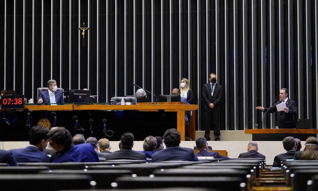 Ministro do STF, Luiz Roberto Barroso, esteve na Câmara dos Deputados