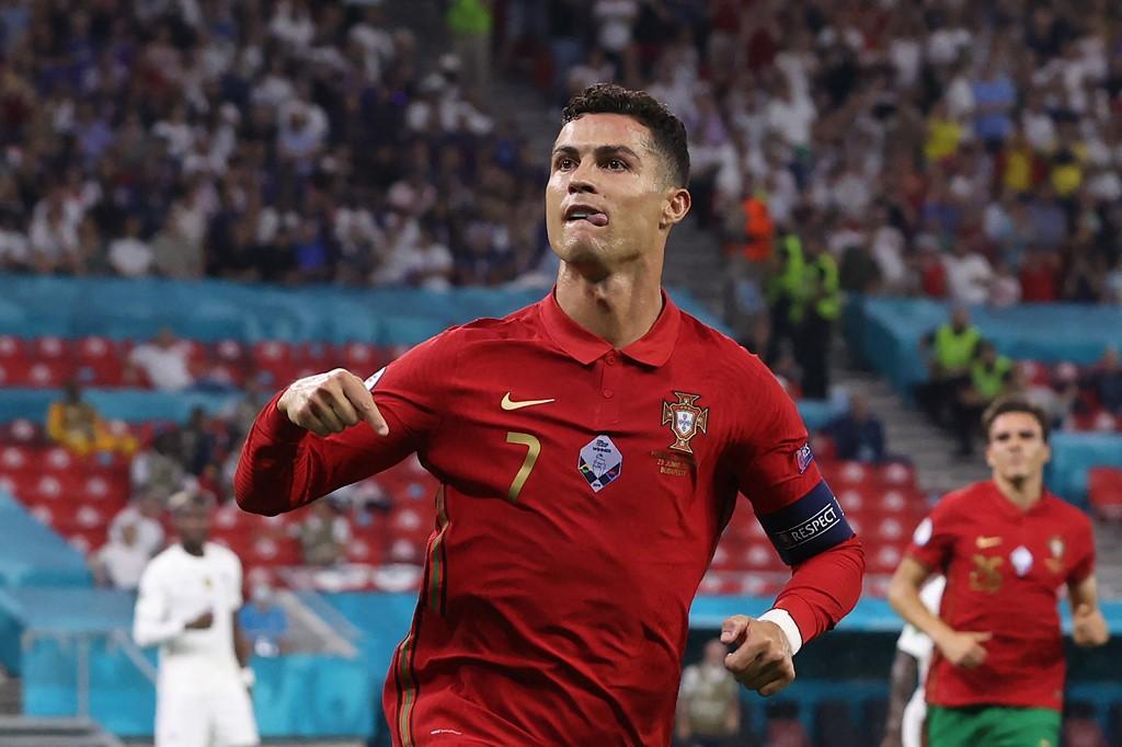Cristiano Ronaldo chegou a 109 com a camisa da equipe portuguesa
