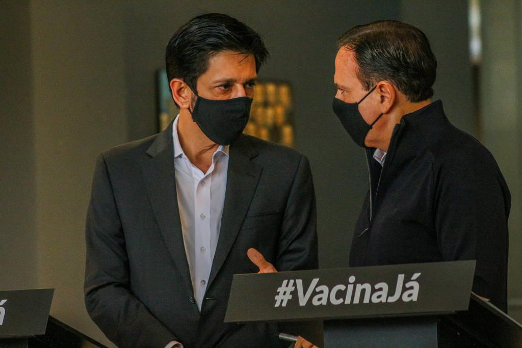 O prefeito de São Paulo, Ricardo Nunes (MDB), e o governador de São Paulo, João Doria (PSDB), em entrevista coletiva