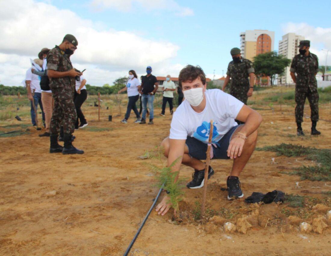 O prefeito de Petrolina, Miguel Coelho, participou da ação