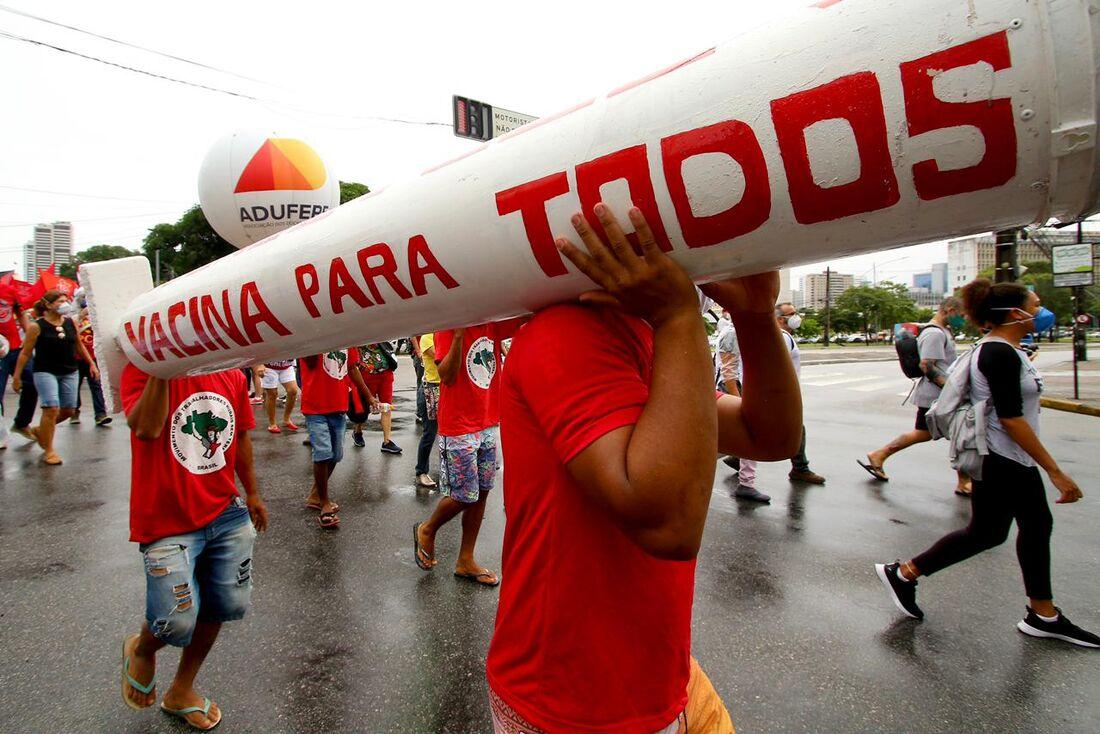 Protesto contra Bolsonaro no Recife