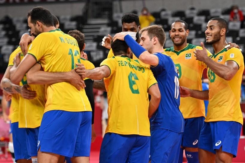 Brasil vence os Estados Unidos no vôlei