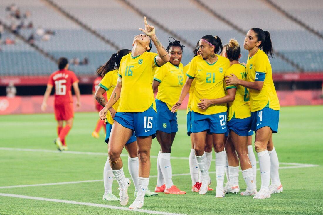 Bia Zaneratto marcou um dos gols da goleada do Brasil sobre a China