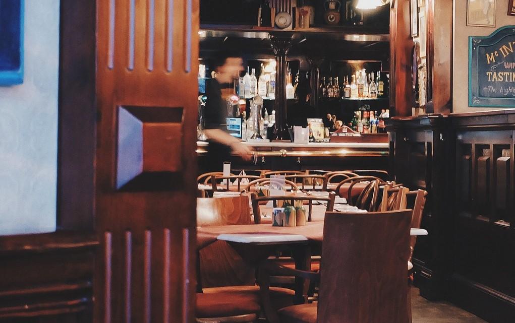 Bares e restaurantes poderão funcionar em novos horários em Pernambuco