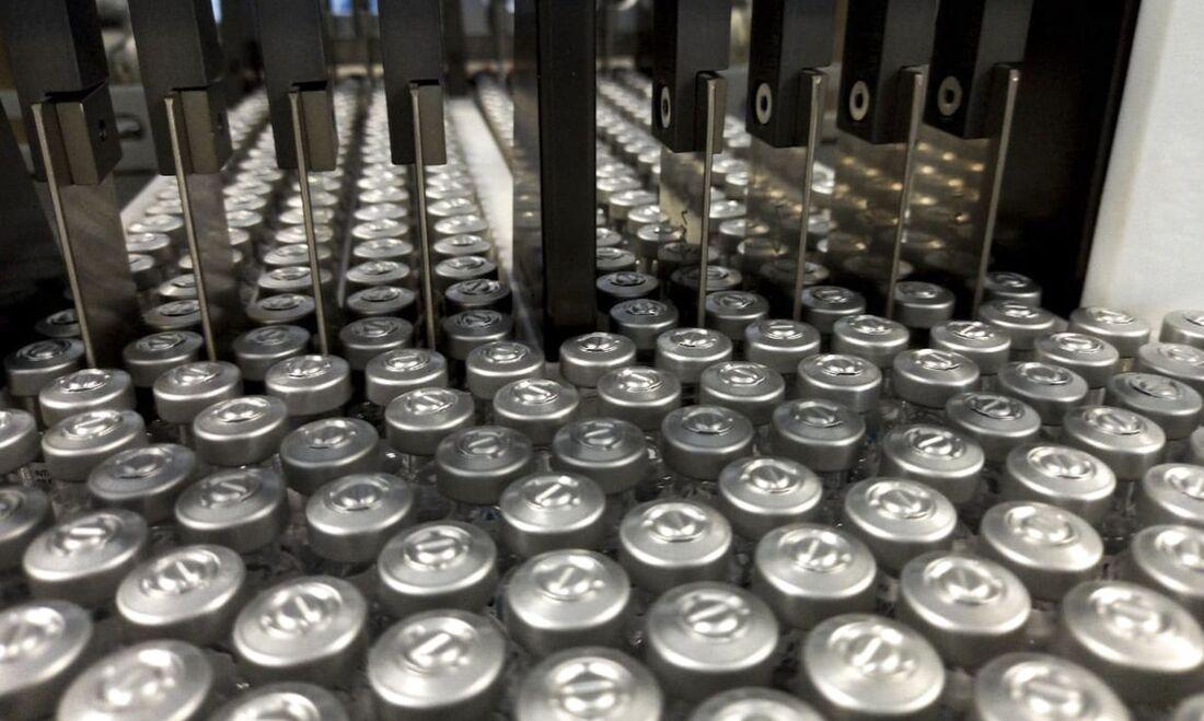 Produção de vacinas contra a Covid-19