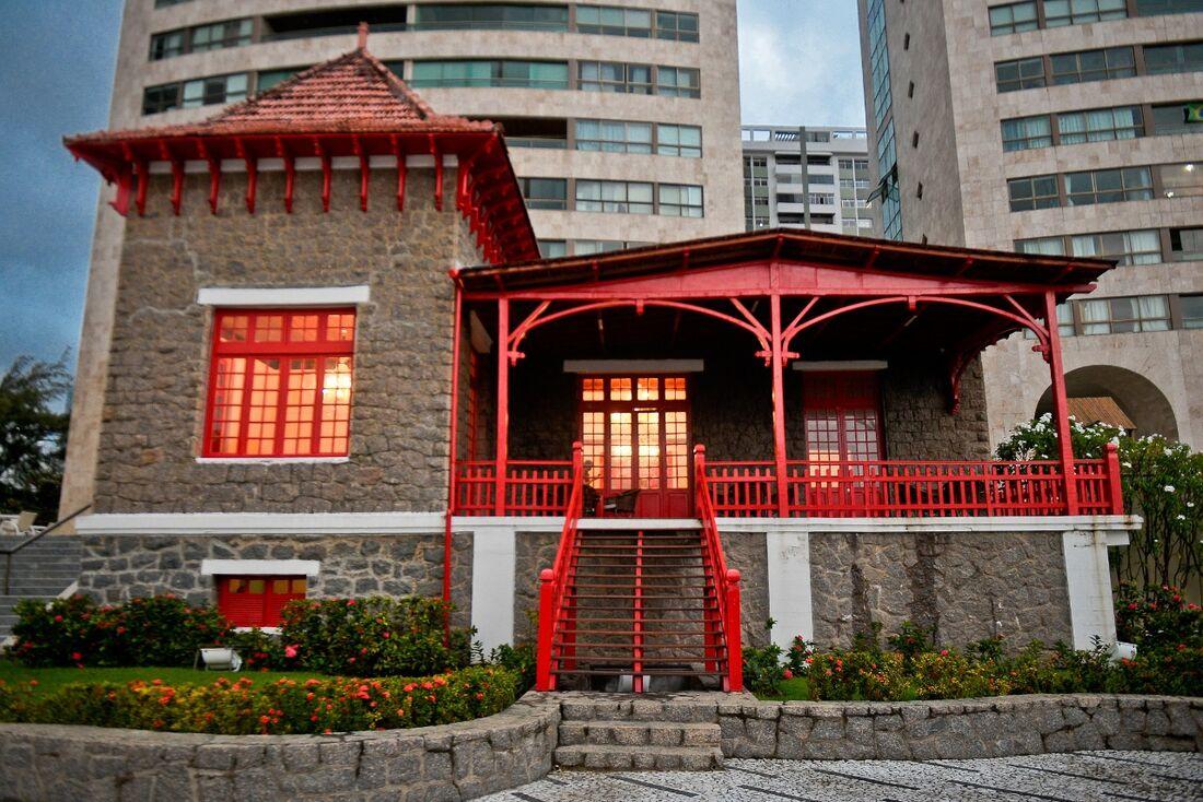 Construído em 1905, o Castelinho é uma das primeiras casas de veraneio de Boa Viagem