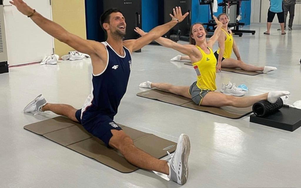 Djokovic interagiu com atletas da delegação belga