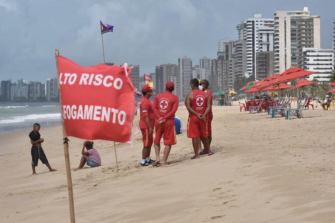 Praia de Piedade, em Jaboatão dos Guararapes