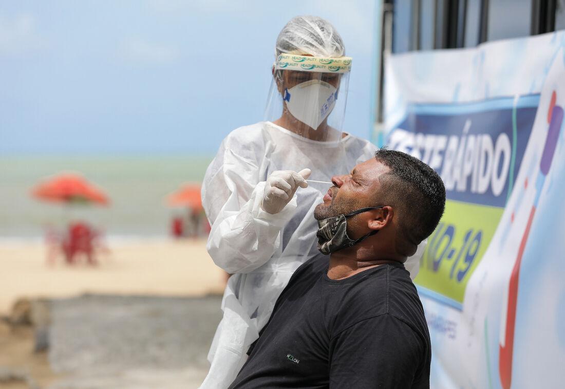 Testagem para identificar o coronavírus em Jaboatão