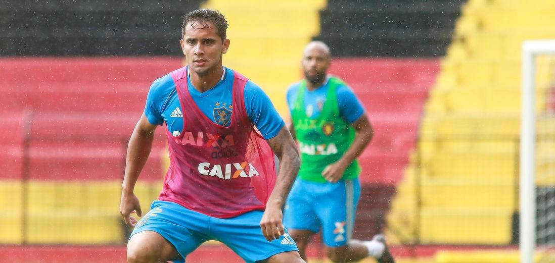 Everton Felipe volta ao Sport depois de três anos