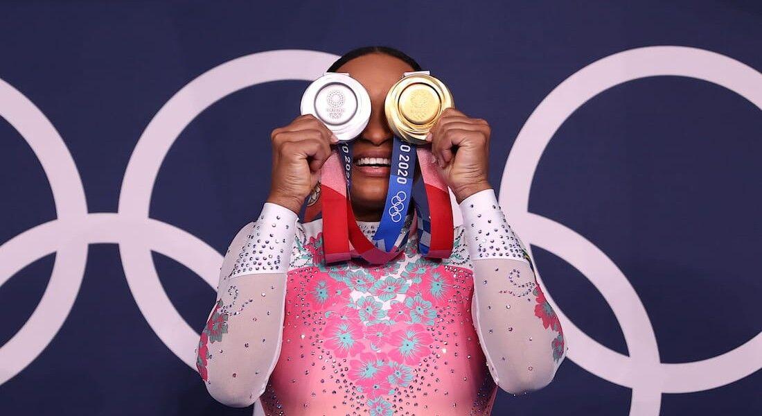 Rebeca Andrade conquistou as medalhas de prata e ouro