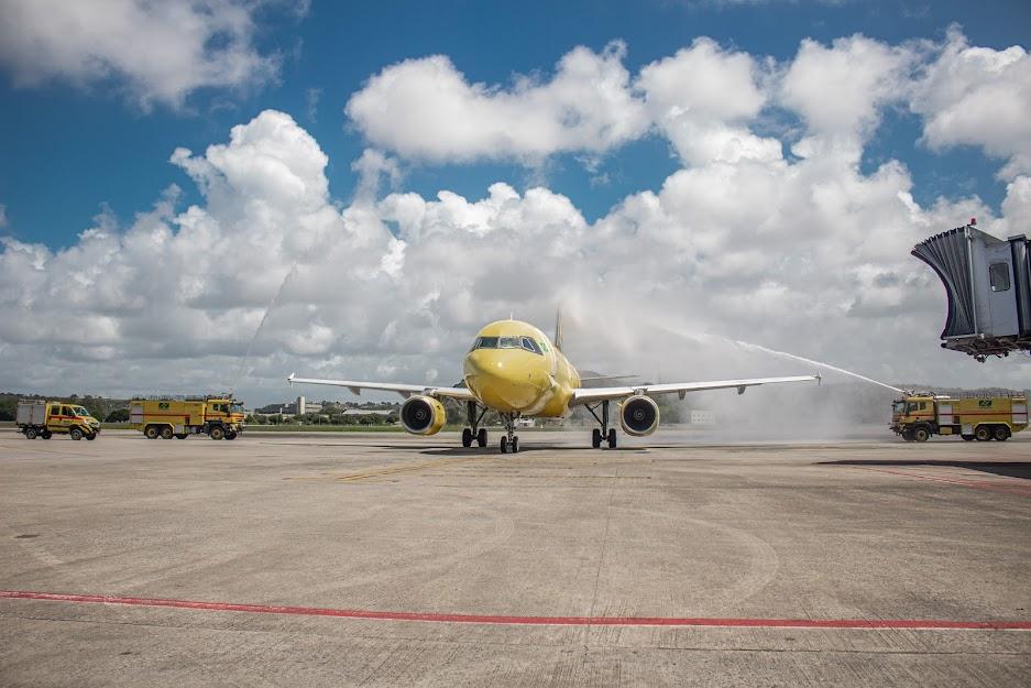 Chegada do A320 da ITA Transportes Aéreos teve direito a batismo da aeronave