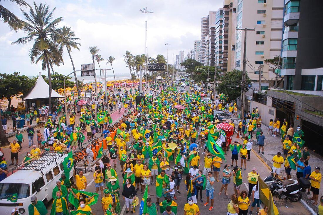 Apoiadores de Bolsonaro saem em defesa do voto impresso