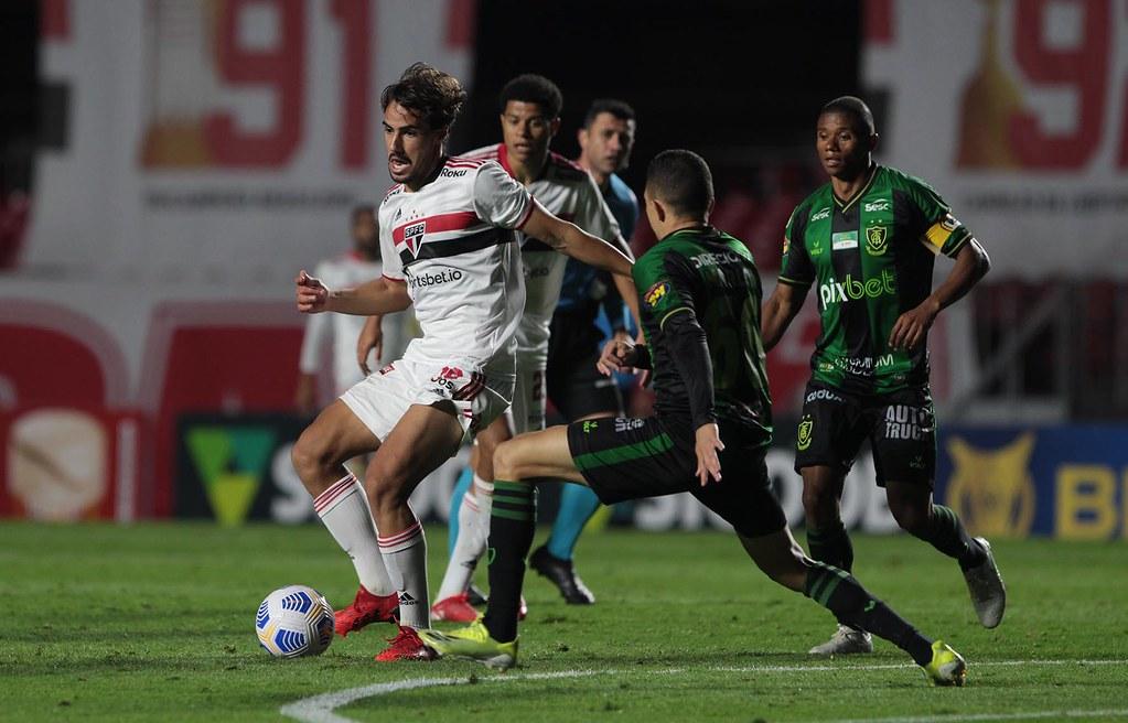 América-MG empatou com São Paulo e deixou o Z4